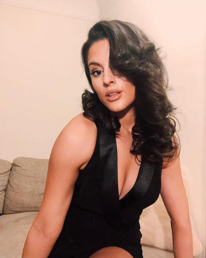 Carmela Zumbado looking hot in black