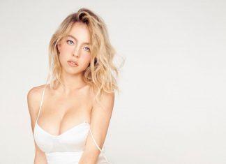 Sydney Sweeney looking hot in white dress